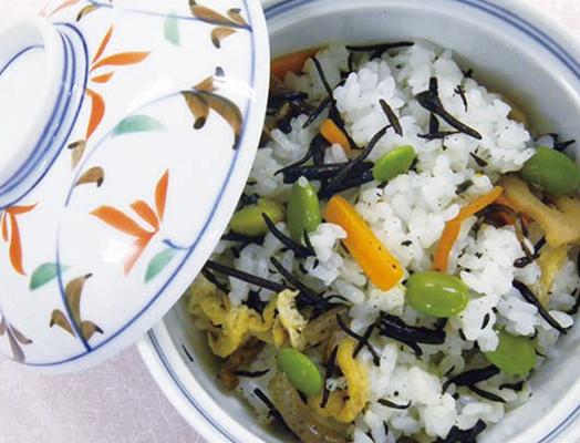 枝豆とひじきの混ぜご飯  ー「ひじきの炒り煮」を利用してー